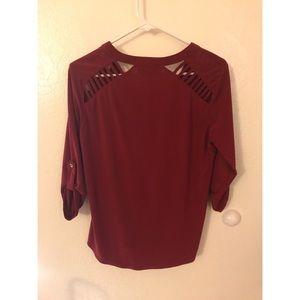 Dark red 3 quarter length top with zipper!